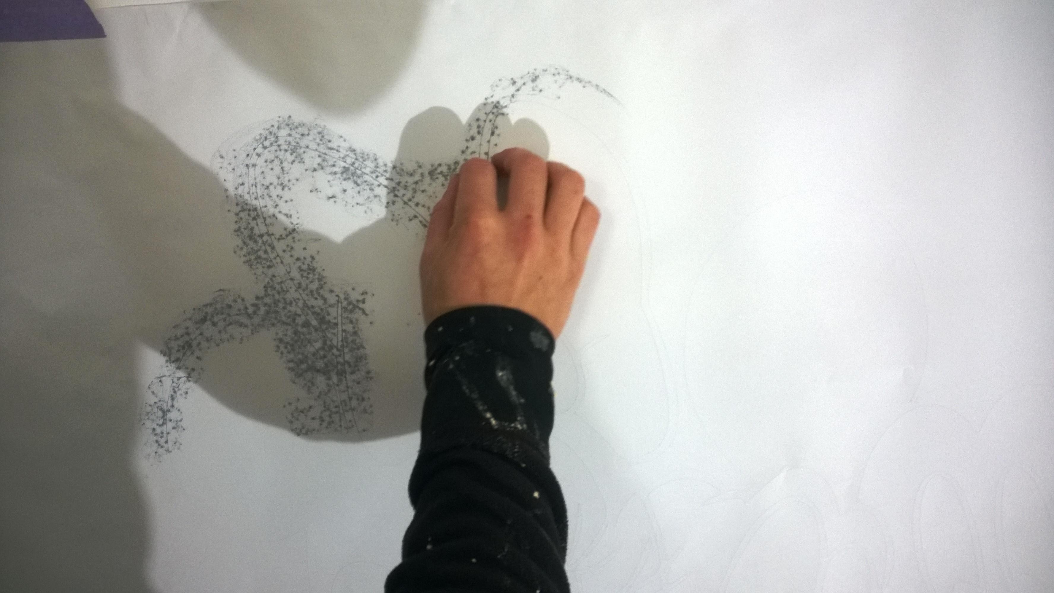 Jak namalovat Mickey Mouse na stěnu